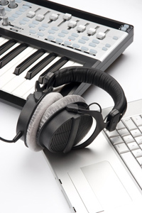 MIDI Recording – What Is It And Why Is It Awesome?