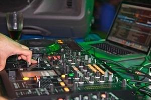 DJ EDM and Ducking